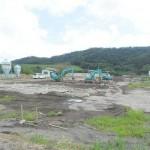 乾乳牛舎の基礎撤去の様子